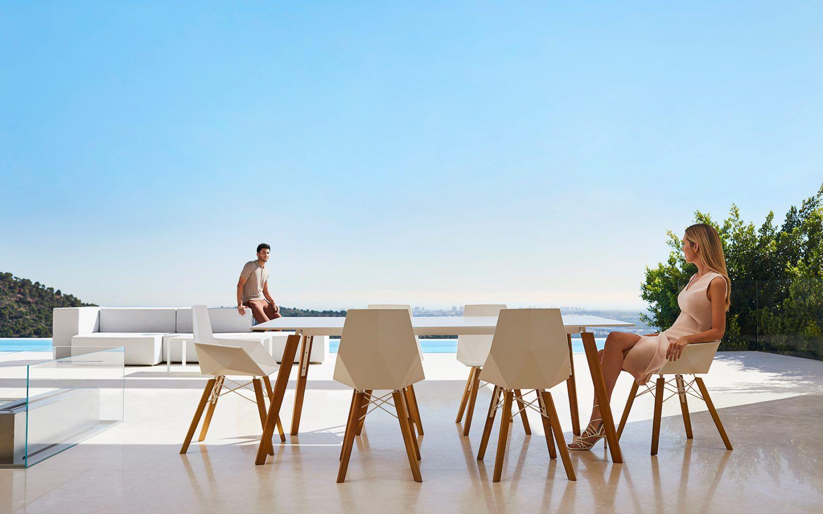 RM Living Contemporary Custom Outdoor Furniture By Vendom