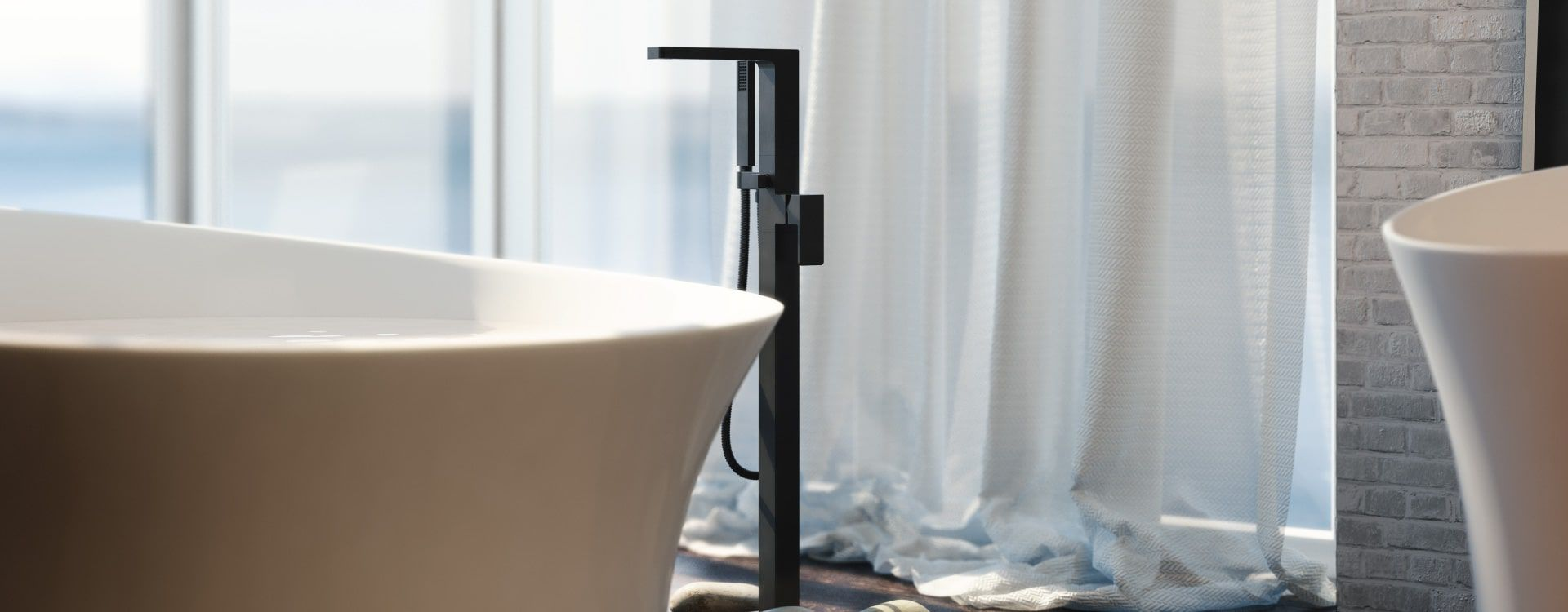 RM Living Cincinnati Interior Design Modern Faucet by Isenberg Isenberg6